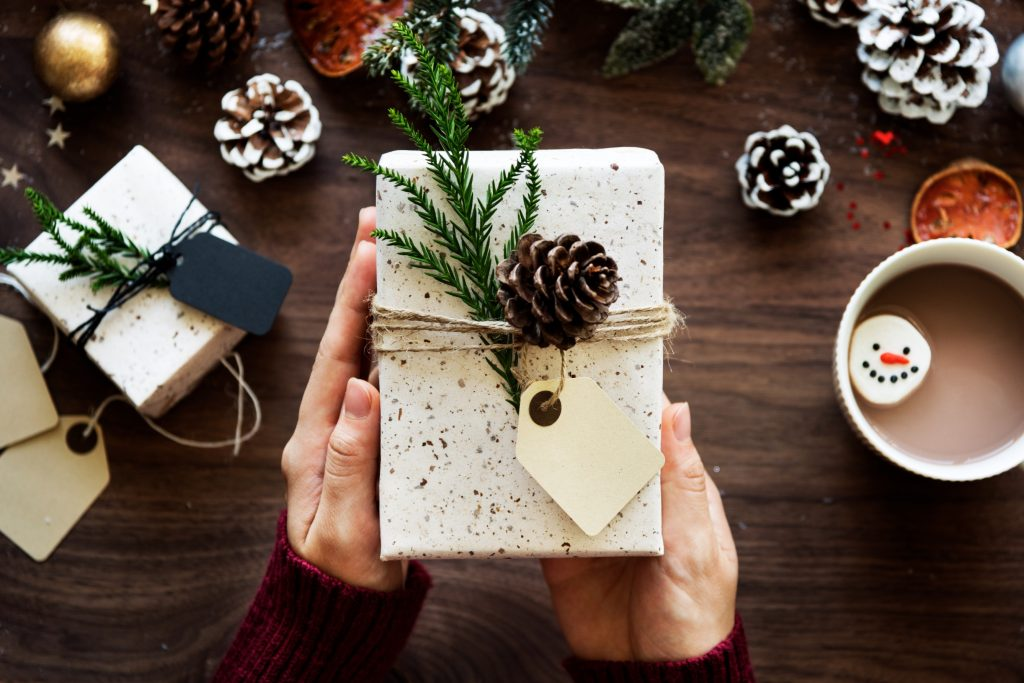 The Best Natural Gifts for Everyone on Your List - 2017 Edition